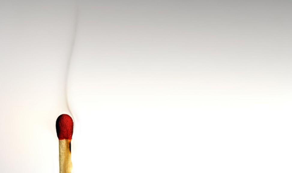 zapalka,-dym-211135