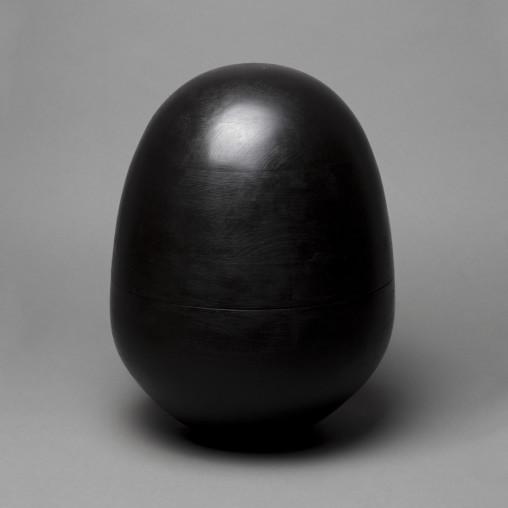 Rocking-urn_Wolfgang-Natlacen_dezeen_936_9