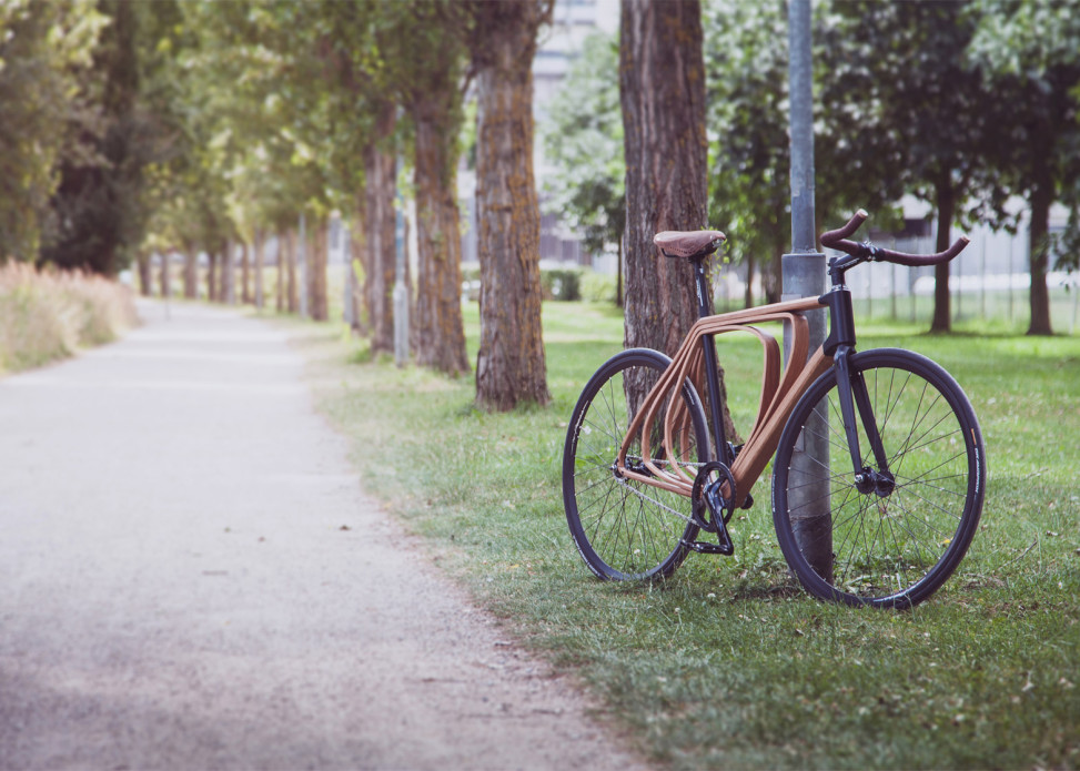 Wooden-bicycle_Niko-Schmutz_dezeen_1568_0