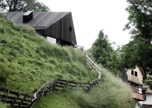 House_in_Pliscia_by_La_Padevilla_dezeen_784_6